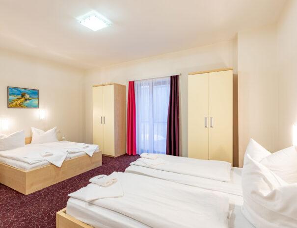 štiriposteljna soba