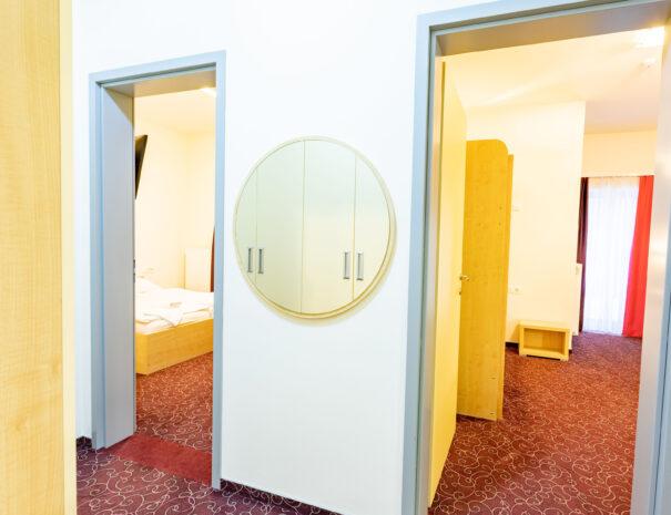 šestposteljna soba